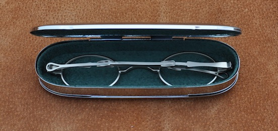 1800`s Historice EyeWear Company Flip-top case with Oval Spectacles<br>