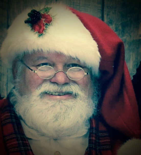 Santa Bob Saunders<br>Santa is from Virginia