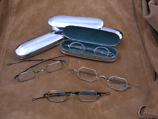 Historic EyeWear Company  1800`s Spectacle Case<br>Historic EyeWear Company spectacles with 1800`s Metal Flip-top case