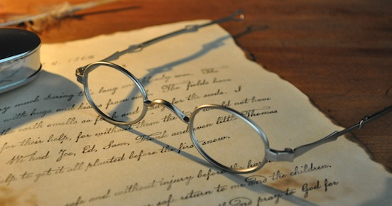 1835-80 Oval Small Reader<br>Photograph: D.Valenza
